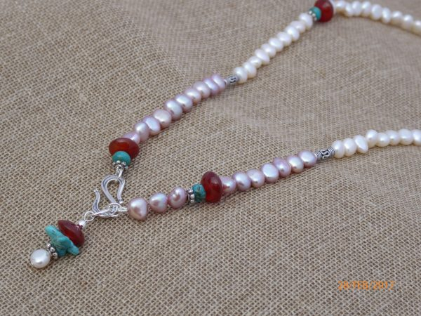 White and pink freshwater pearl Necklace