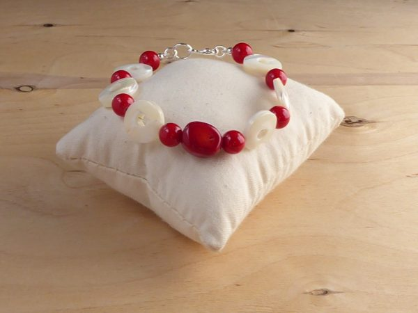 Red Bamboo Coral and Mother of Pearl polos bracelet
