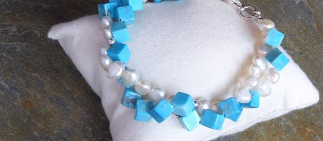 bracelet, freshwater pearls, turquoise cubes, 2 row, twistne Beaded Jewellery