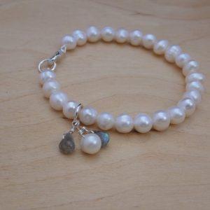 Bracelet pearl, labradorite, silver clasp
