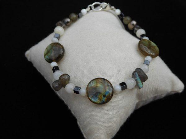 Labradorite, haematite and white agate, bracelet